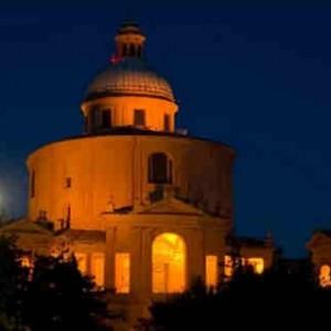 Basilica SanLuca di sera