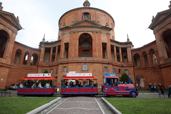 trenino-San-Luca-Express-Santuario-